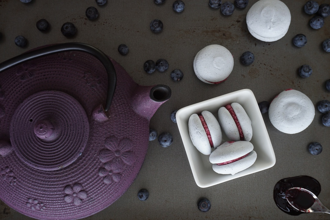 blueberry vegan macarons