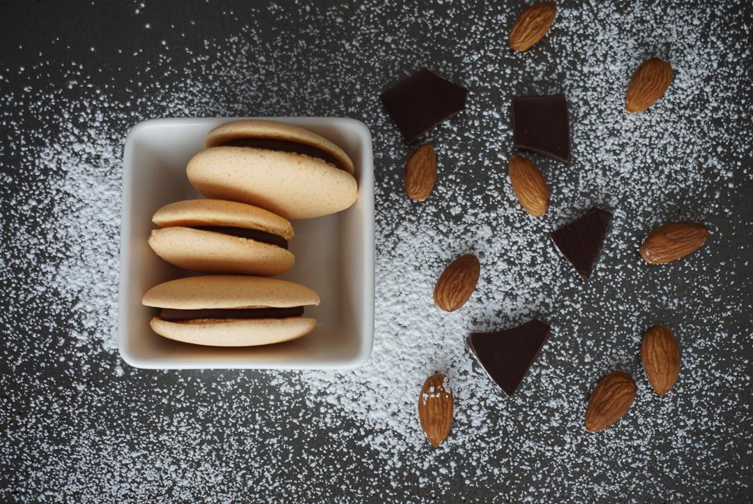 chocolate almond macarons