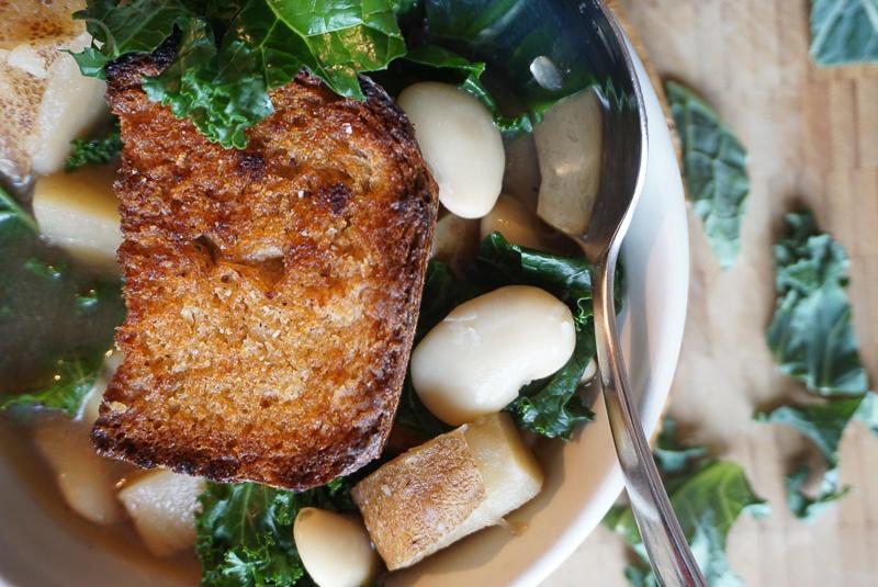 kale potato white bean soup recipe
