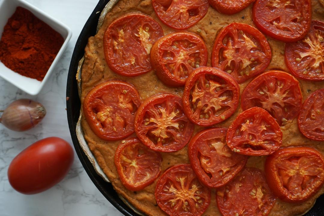 spanish tomato pinto savory pie vegan