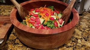 salad-wooden-bowl