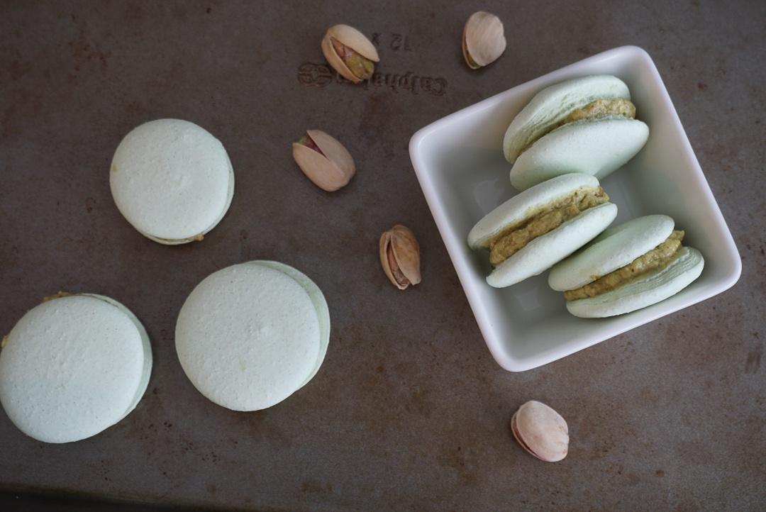 vegan pistachio aquafaba macarons